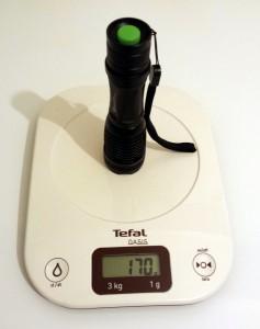 Le poids de la lampe (avec piles)