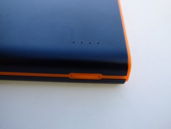 La batterie possède 4 LEDS pour indiquer son niveau de charge