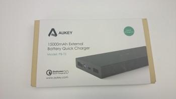 La boite de la batterie portable 15 000 mAh d'Aukey