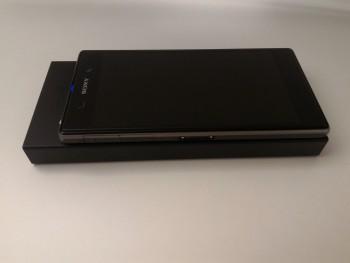 La batterie est plus grande qu'un smartphone 5 pouces