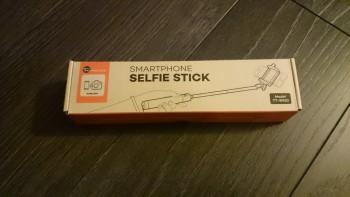 La boîte de la perche à selfie
