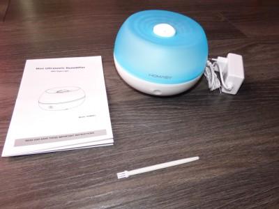 Le contenu de la boite : le diffuseur, un manuel (en anglais) et un petite brosse pour le nettoyage