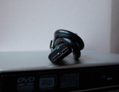 Le lecteur se relie au PC via son câble USB 3.0