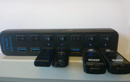 Les ports sont bien espacés, mais les clés trop larges peuvent poser problème