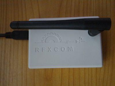 Le boitier RFXTRX433E supporte de nombreux protocoles  : DI-O, LaCrosse, X10, Somfy RTS...