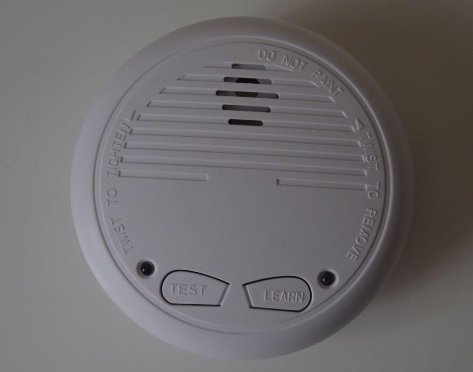 Le CH34131 est un détecteur de fumée connecté