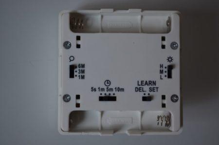 Plusieurs switchs permettent de régler le détecteur