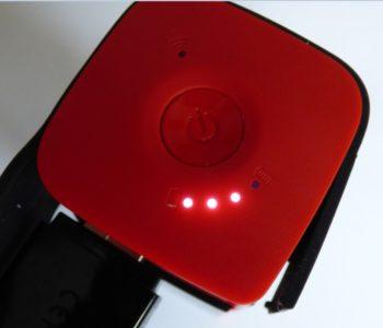 Sur le dessus : un bouton d'alimentation et des LED