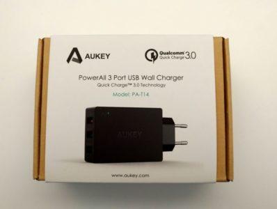 La boîte du chargeur QuickCharge 3.0 Aukey
