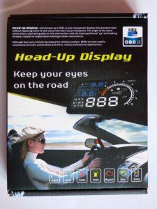 L'afficheur projette des informations sur le pare-brise