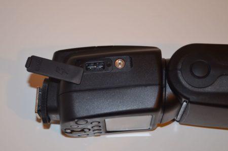 L'appareil peut être connecté à d'autres flash pour du multi-flash
