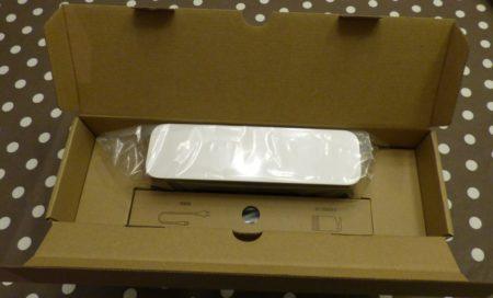 Station de charge, câble et notice sont dans un carton séparé