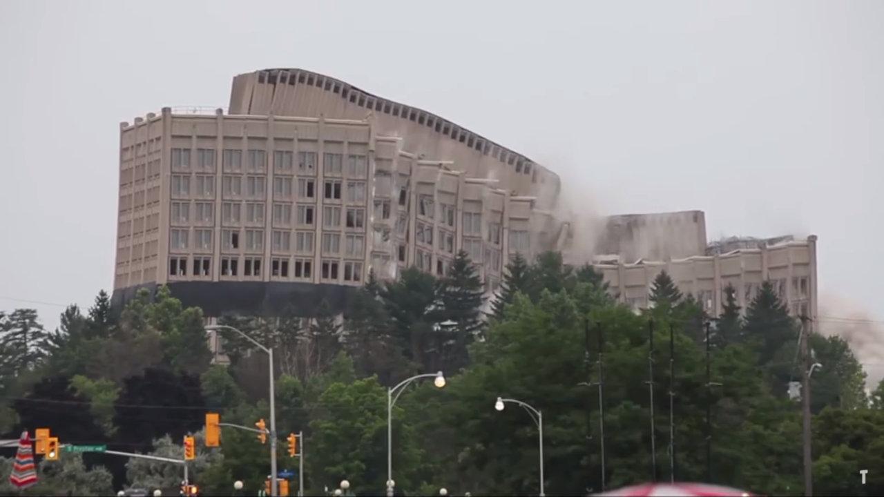 Fail d'architecture : un immeuble s'écroule