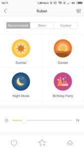 Plusieurs scénarios peuvent être appliqués au ruban : couché de soleil, mode nuit etc