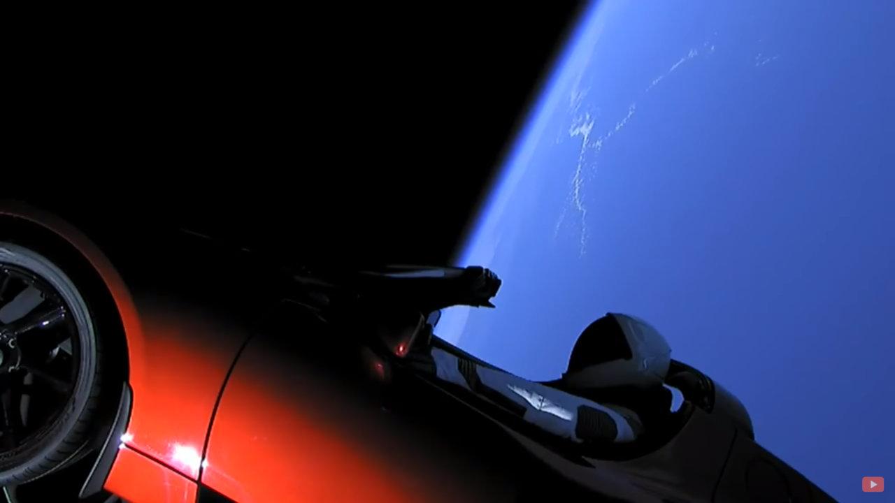 Une Tesla dans l'Espace