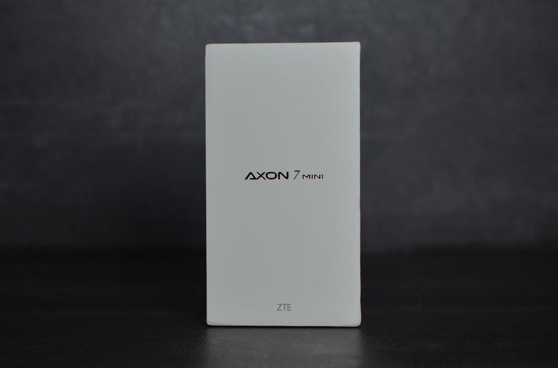 La boite du ZTE Axon 7 Mini