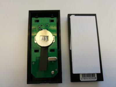 L'émetteur fonctionne avec une pile bouton CR2032