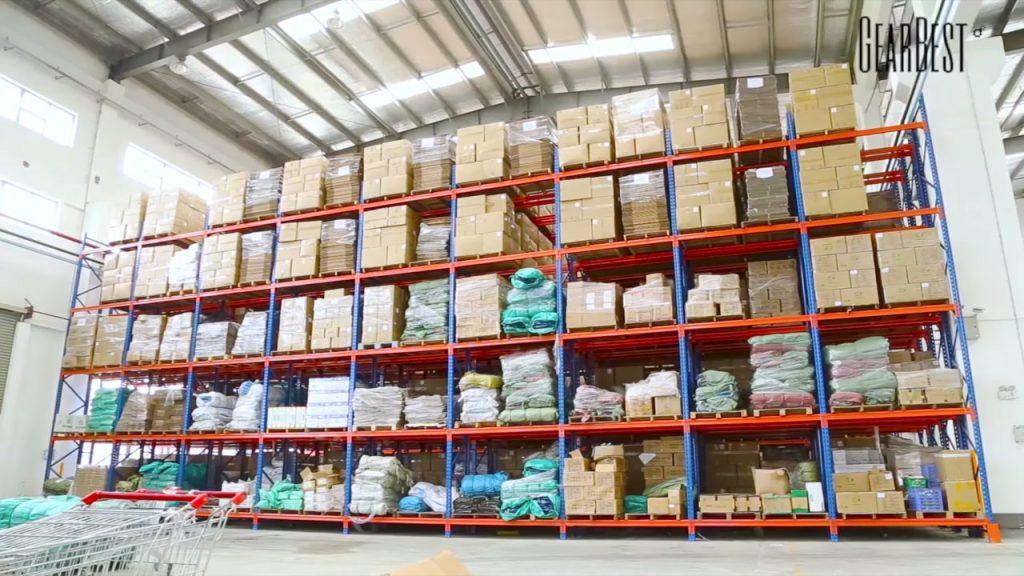 Découvrez la préparation des colis au cœur d'un entrepôt GearBest