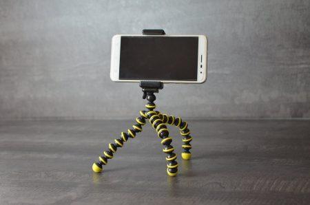 Ce Gorillapod fonctionne très bien avec smartphone et action cam