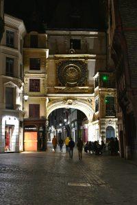 Photo retouchée avec Fotor : Le Gros Horloge de Rouen