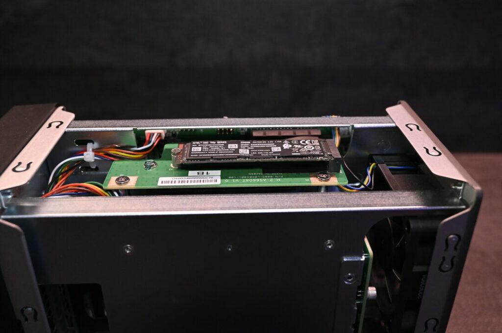 L'AS6602T possède deux ports M2 pour disque NVMe